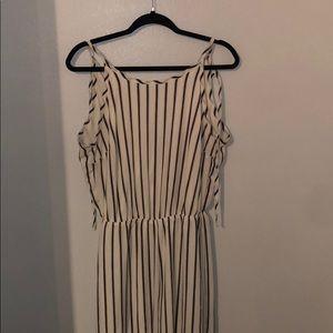 Striped jumpsuit!!! Size M- EUC